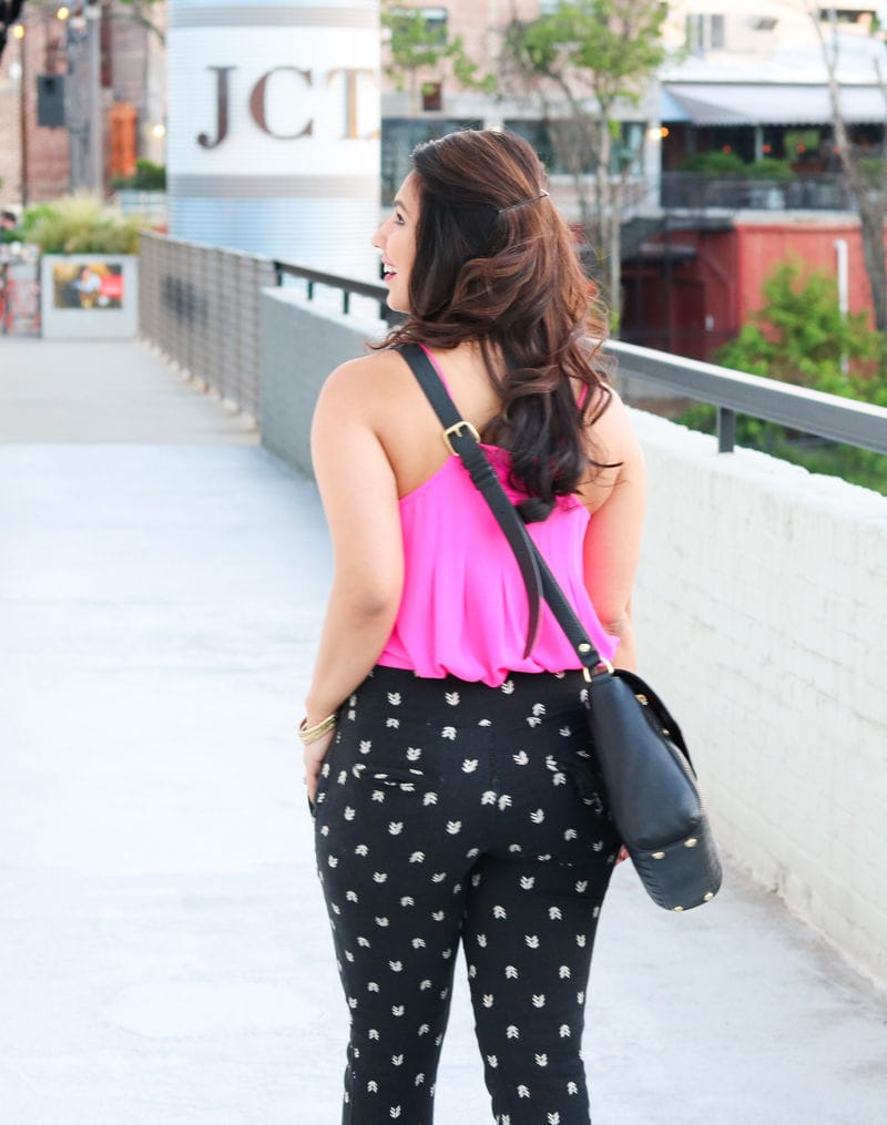 printed pants, how to wear printed pants, black and white printed pants, highwaisted pants, high waisted printed pants, pink tank top, pink pleated top, black cage wedges, wedges, Charles by Charles David Apollo Wedge Sandal, vera bradley, vera bradley quilted cara convertible bag