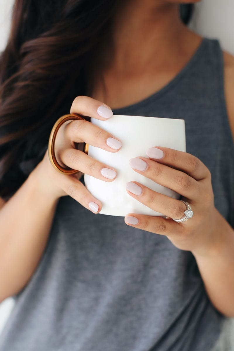 6 BEST NAIL COLORS FOR EVERY SEASON