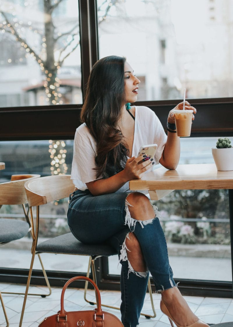 A Day In The Life of a Part-Time Blogger With a Full-Time Job
